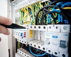 Elettricista a Milano Derganino
