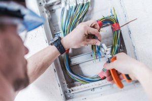 Elettricista a Paderno Dugnano